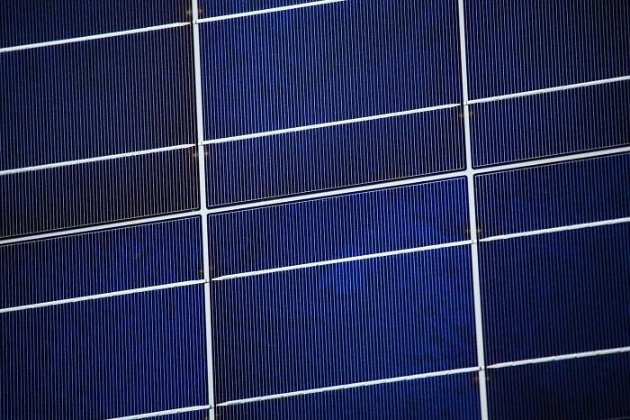 Solárne kolektory na stavbách aj na vode